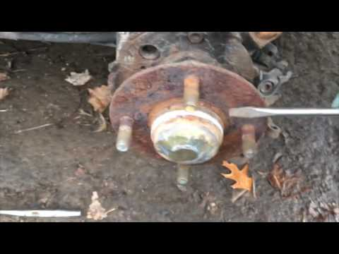 How to replace rear wheel bearing Nissan Sentra seR Spec V B15