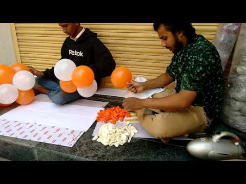 Balloon Decoration Preparation by Professional
