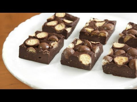 3 ingredient Maltesers Fudge | SweetTreats