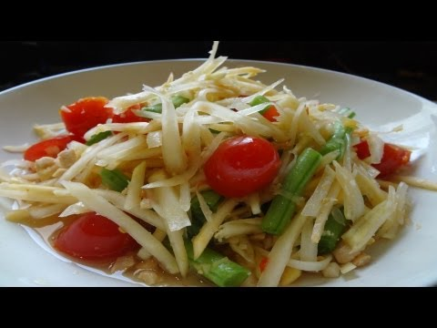 Thai papaya salad (Som tam)