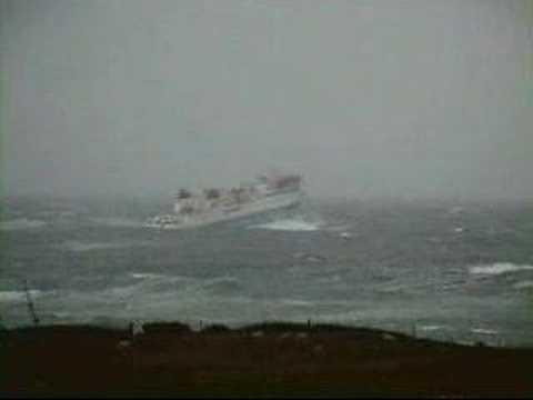 Hamnavoe in heavy seas