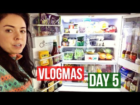 Healthy Grocery Shopping with me! VLOGMAS DAY 5