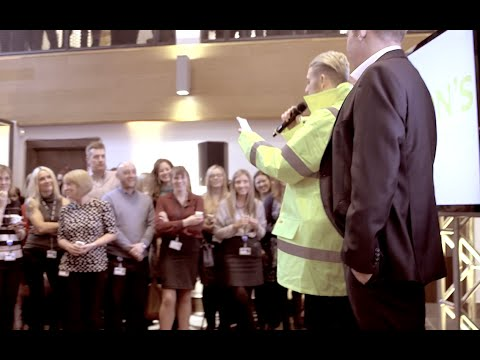 Marstons Surprise Singing Waiters, Count on Me, Bruno Mars!