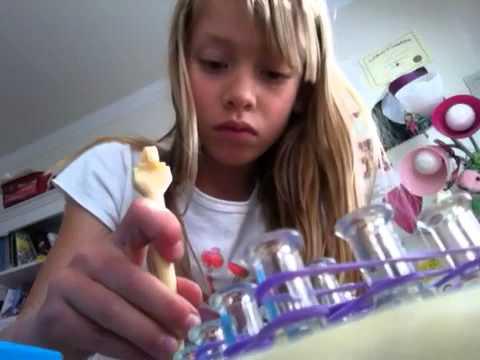 How to make a loom Elsa FROZEN cape
