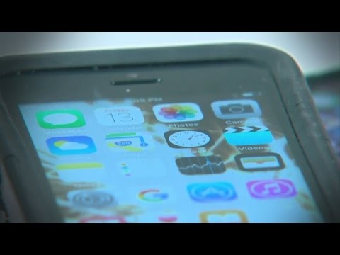 Bacteria On Cell Phones Could Cause Skin Issues