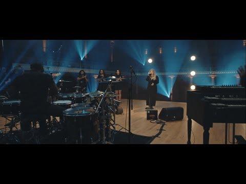 Kelly Clarkson - Love So Soft [Nashville Sessions]