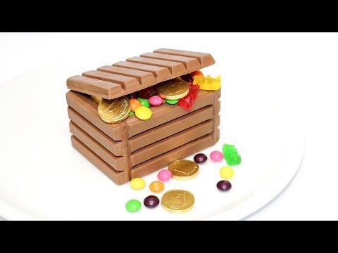 KIT KAT Chocolate Candy box by CakesStepbyStep