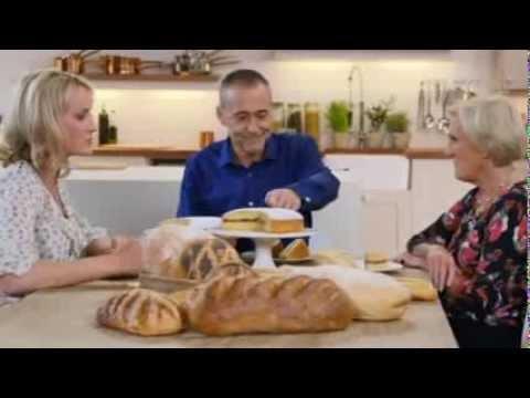 Blind Taste Test - butter sponge vs margarine sponge  - Michel Roux Jr vs Mary Berry