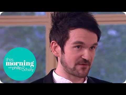 Xxx Mp4 Colin Cloud Plays Strip Poker With Holly And Phillip This Morning 3gp Sex