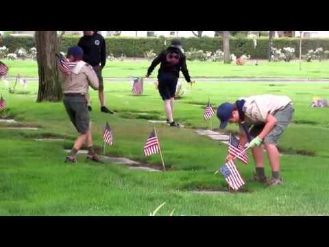 2018 Pomona Cemetery Memorial Day flag placing