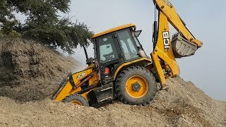 JCB Dozer Working on Sandy Mud - JCB Loading Sandy Mud in