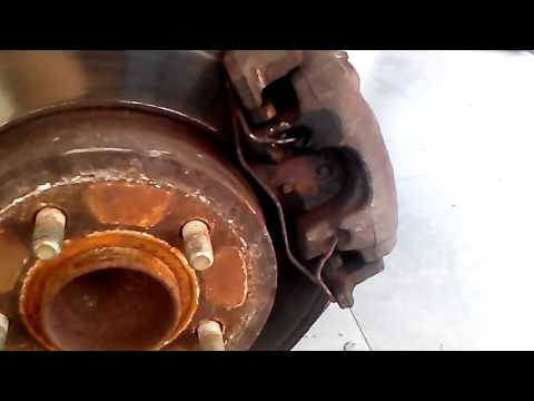 DIY:FORD FOCUS C_MAX HOW TO CHANGE REAR BRAKE PADS