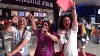 Club de Fans de OCTAVIO CASTRO durante la firma de autógrafos