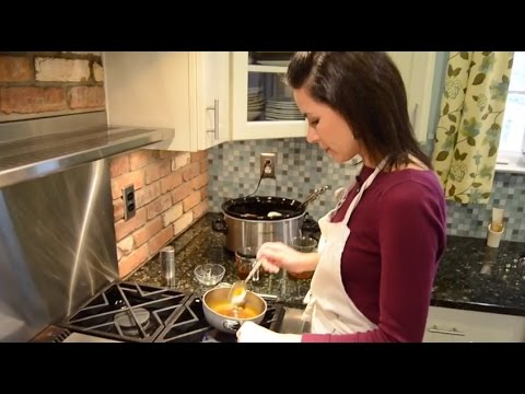 How to Make Homemade Gravy in 3 Easy Steps