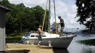 Raising the Catalina 22 Mast Using the Boom as a Gin Pole