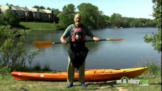 Kayak - How to Hold a Paddle