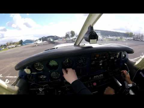 Circuit Practice in a PA28 - UK PPL - Elstree