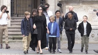 Angelina Jolie brings the all family to the Louvre Museum in Paris - Part 2