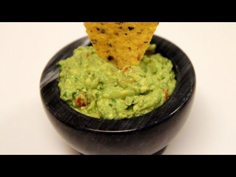 Avocado Guacamole Recipe - CookingWithAlia - Episode 244