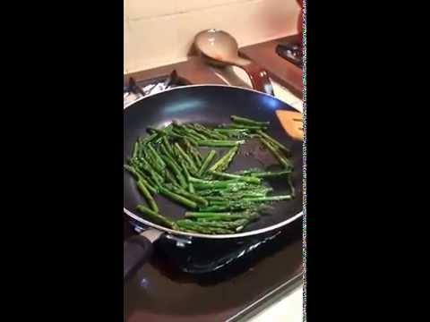 Quick & Easy Shrimp and Asparagus in Lemon Sauce