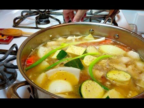 Easy Arroz Con Pollo Recipe / Quick Chicken, Veggies and Rice Recipe