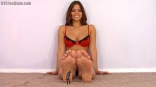 cali logan massage giantess