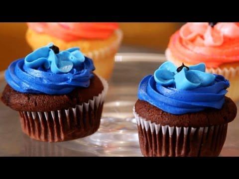 Make Baby Boy Cupcakes for a Shower | Cupcake Tutorials