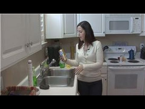 Housecleaning Tips : How to Clean a Stainless Steel Sink
