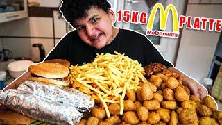 XXL Essen   Wir machen eine 10 KG MC Donald Platte   zu lecker   Can Wick