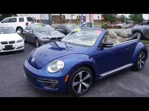 2013 Volkswagen Beetle 2.0T 6-spd Convertible Walkaround, Start up, Exhaust, Tour and Overview