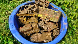 Cleaning many kinds of toy vehicles , Excavator, City Bus, Mixer Truck, Tank Truck, Police Car