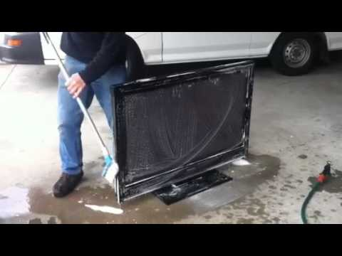 How to clean plasma TV The Australian Way.