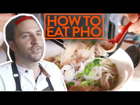 HOW TO RESPECTFULLY EAT YOUR PHO NOODLE SOUP?