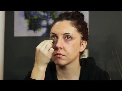How to Do Makeup Like an Old Woman : Makeup Tricks