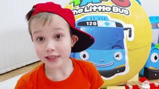 Download Дети играют в Игрушки Маши в гигантском яйце и Тайо в большом шаре Video