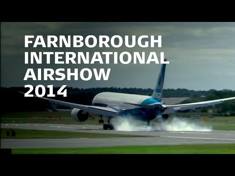 Awesome Boeing 787-9 display at #FIA14 Farnborough International Airshow 2014