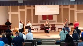 "Glorieta praise team sings ""Beautiful One"""