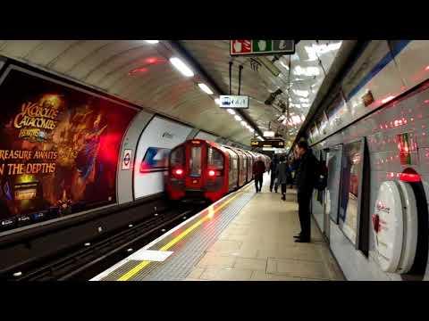 Trains at London Euston Tube Station - Wednesday 6th December 2017