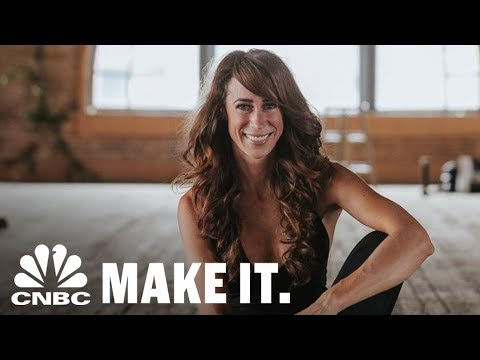 How Whole30 Co-Founder Melissa Hartwig Went From Drug Addict To Huge Success | CNBC Make It.