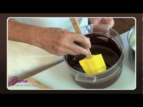 How to Make a Classic Chocolate Ganache