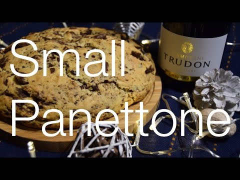 Italian small panettone with chocolate chip - quick and easy
