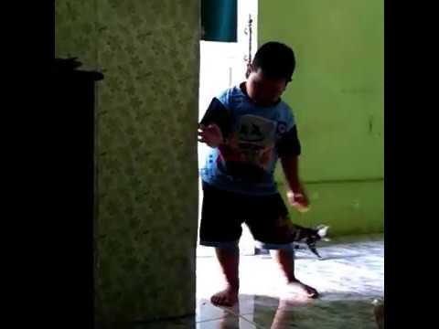 bocah joget jaran goyang sambil nganu