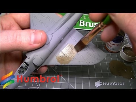 Humbrol - How To Use - Flat Brushes