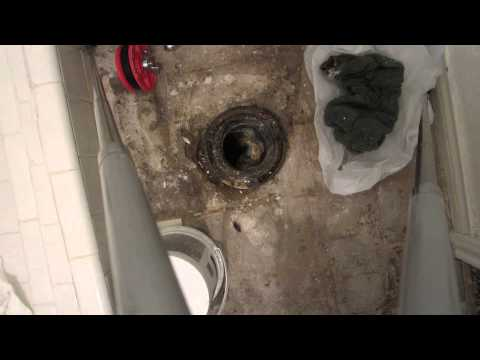 How to Plug a Toilet Drain