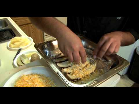 How to Make Potato Skins with Chicken, Bacon, Cheese and Green Onions