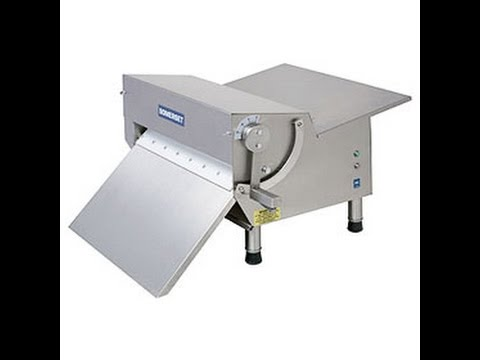 How To Use A Somerset Fondant Sheeter For Cake Decorating