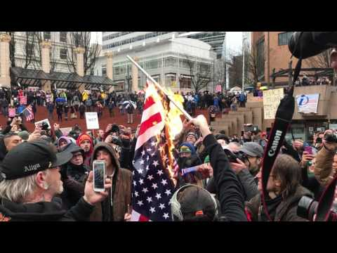 Inauguration Day Flag Burning 2, Pioneer Courthouse Square