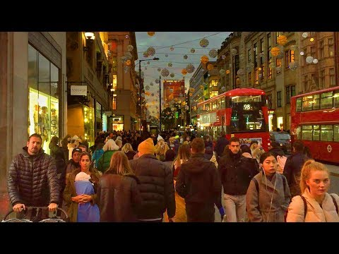 London Walk - OXFORD STREET at CHRISTMAS (Tottenham Court Road to Oxford Circus) - England, UK