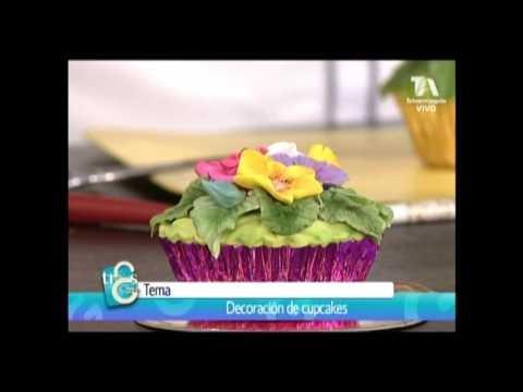 Cómo decorar un cupcake con mini flores en fondant, hechas a mano sin cortador con Dalila Cabrita