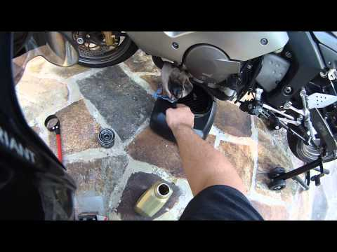 How To: 2005 and 2006 ZX6R 636 Oil Change